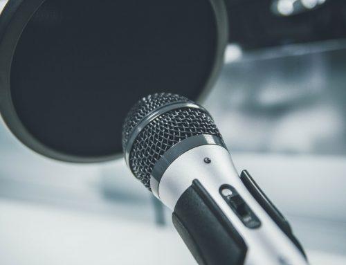 Diese 10 Fehler beim Karaoke Singen solltest Du vermeiden